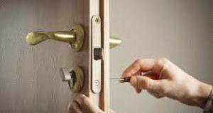 cambiar cerradura moncada